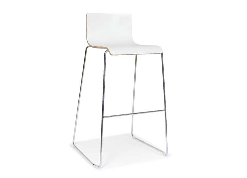 Moon high chair with shallow back
