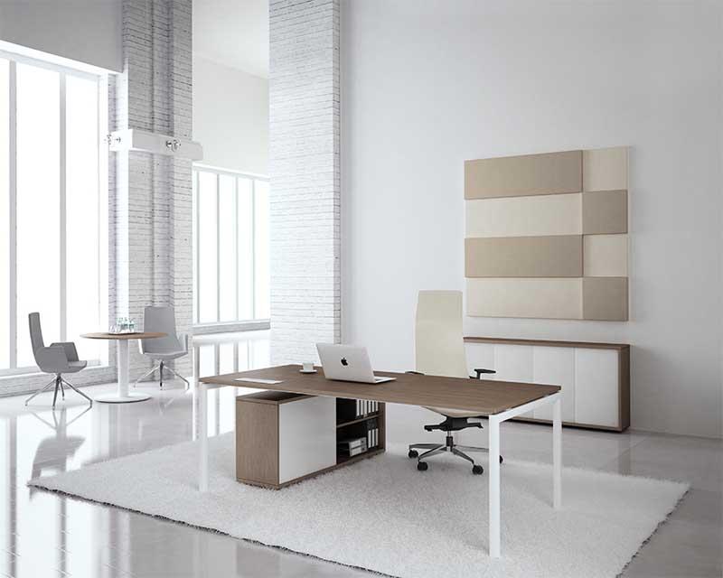 Nova executive desk in modern office
