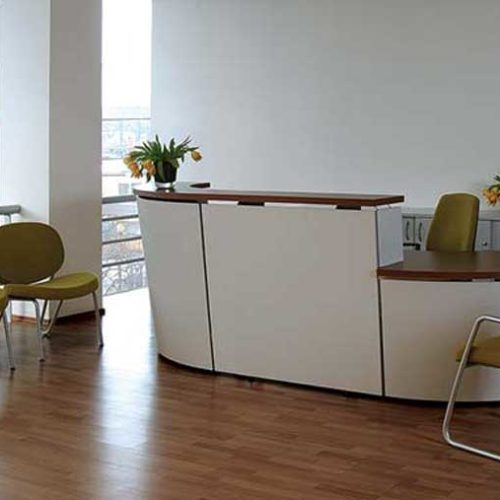 Tera reception desk in white