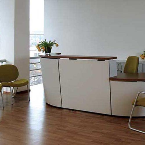 Tera reception desk in white